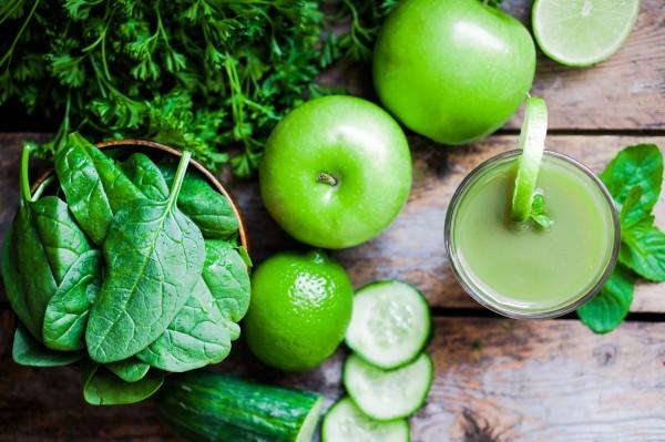ほうれん草とリンゴのジュース