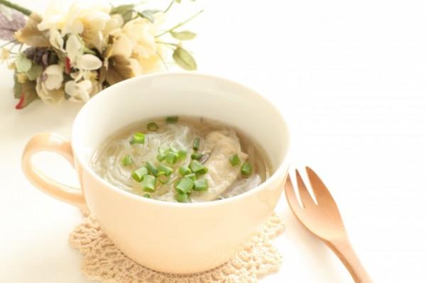 ゼラチン質の多いスープ