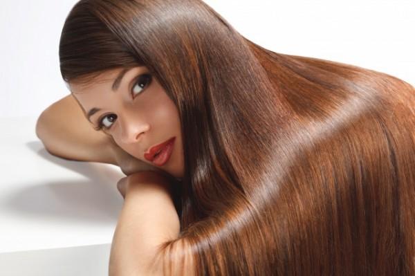髪の美しい女性