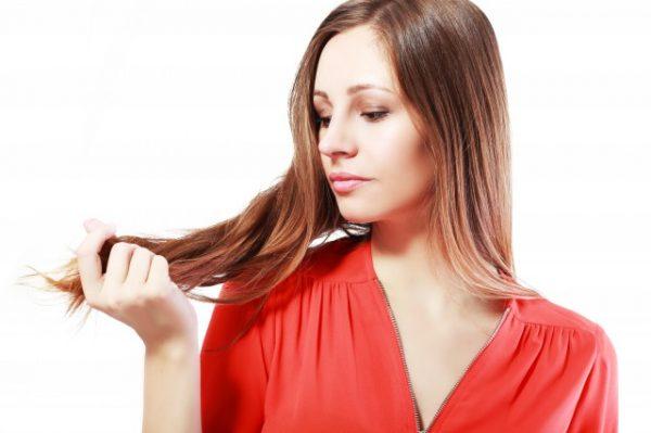 髪のコンディションが気になる女性