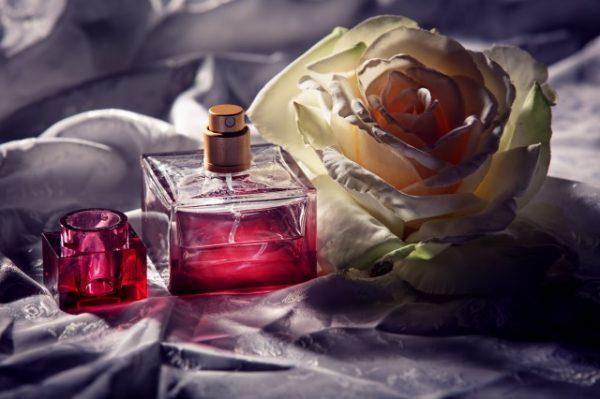 バラと香水