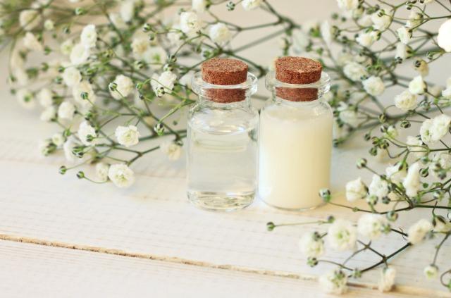 美容液・化粧品の瓶